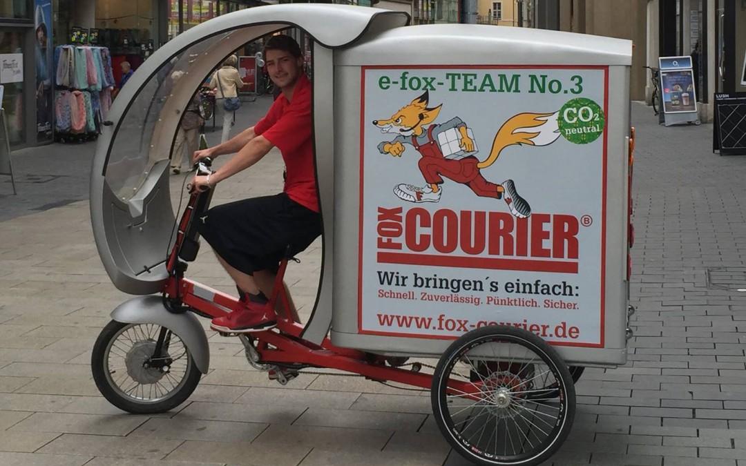 fox-COURIER: Premiere für neue Fahrzeugwerbung